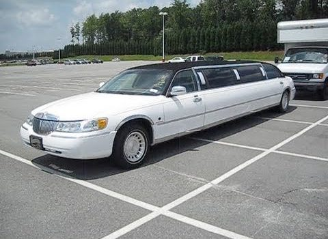 Renting a Limo For Your Boss For Upward Mobility
